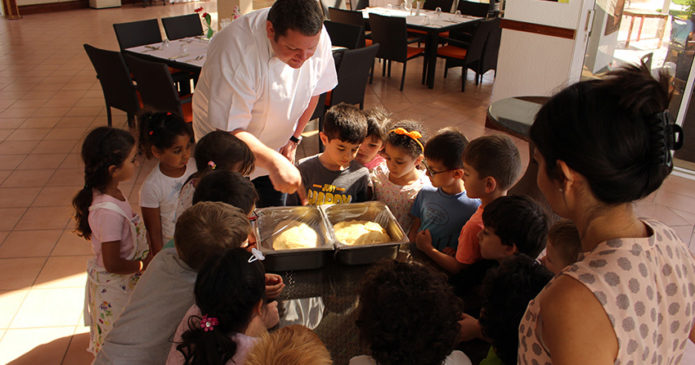 Kindergarten visit to Chef Hannes