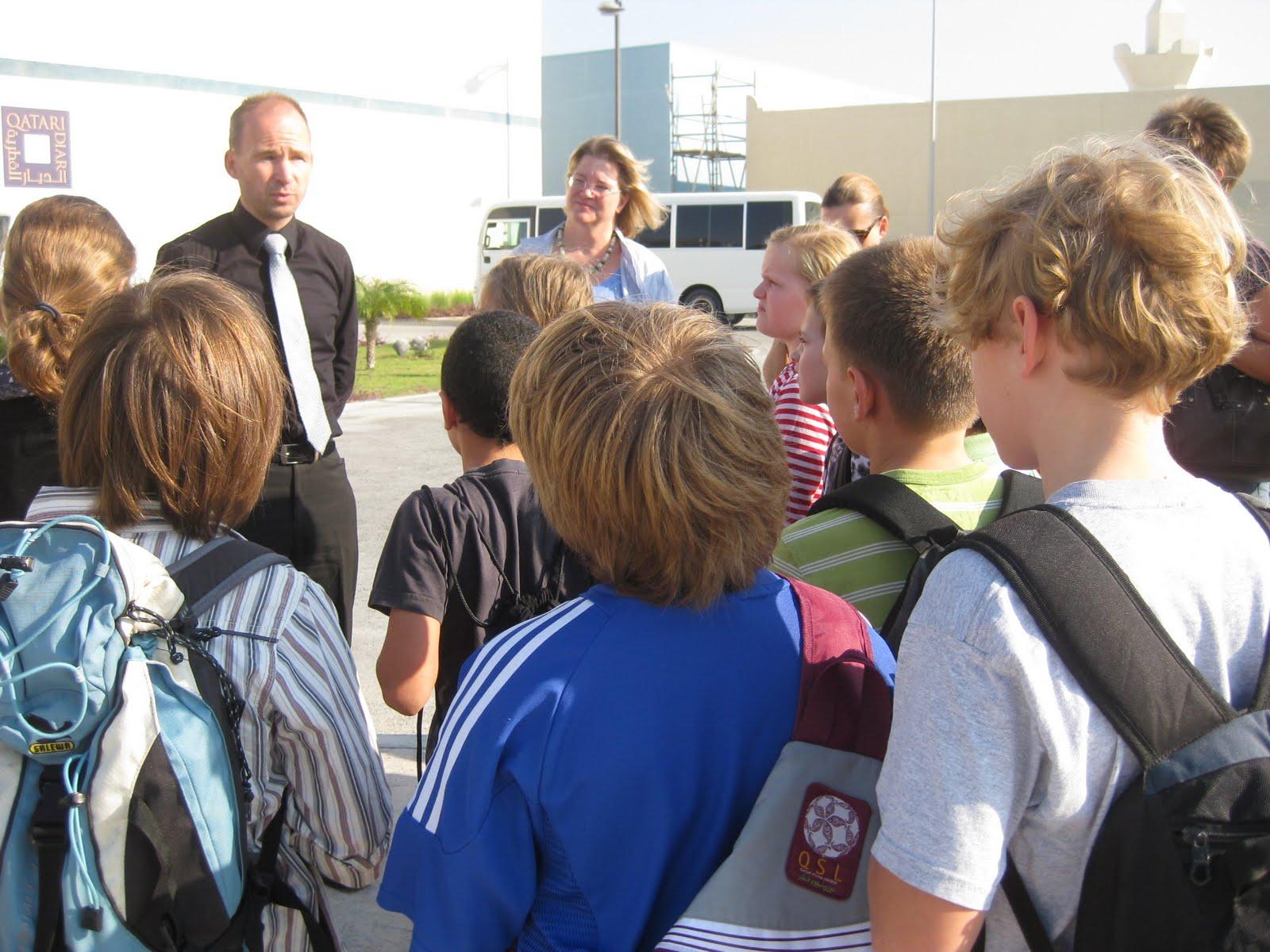 Die 5. Klasse besuchte eine Ausstellug der Deutschen Bahn in Doha